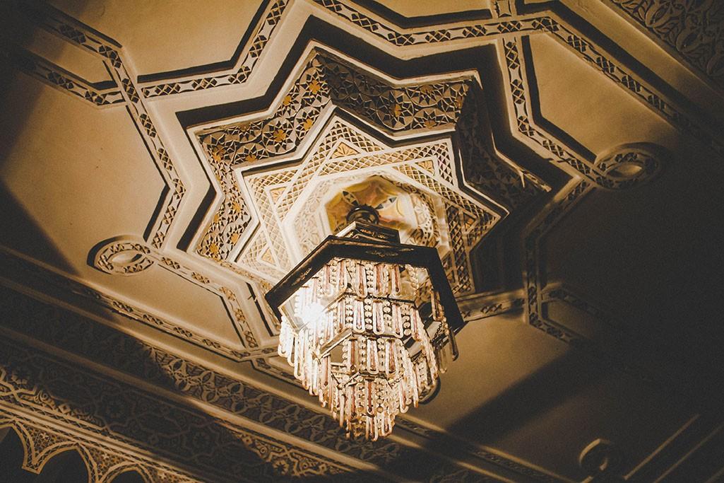 Lampe in einem marokkanischen Haus