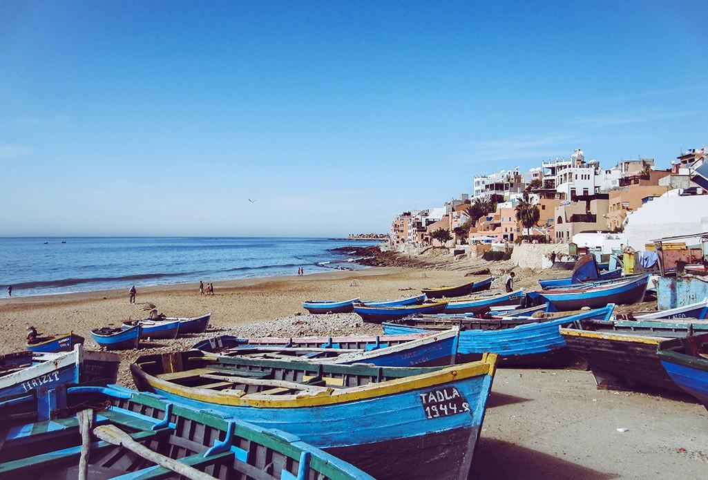 Fischerboote am Strand von Taghazout