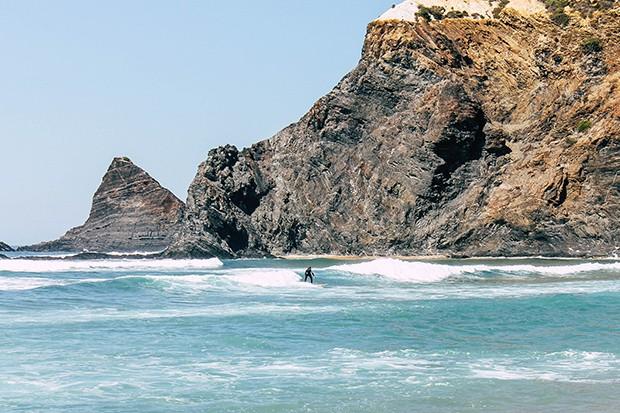 Surfen am Praia de Odeceixe