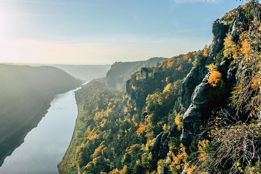 Blick auf die Elbe im Elbsandsteingebirge