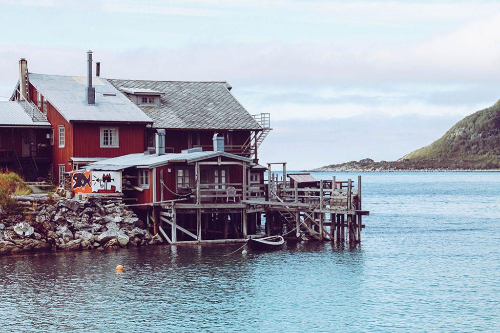 Gebäude bei Bøvær