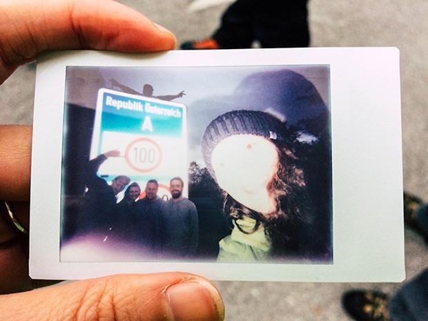Polaroidbild von der Grenze zu Oesterreich