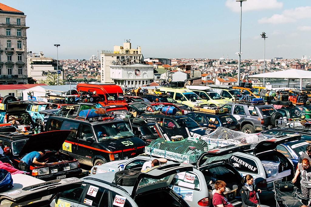 Fahrerlager der Allgaeu Orient Rallye in Istanbul