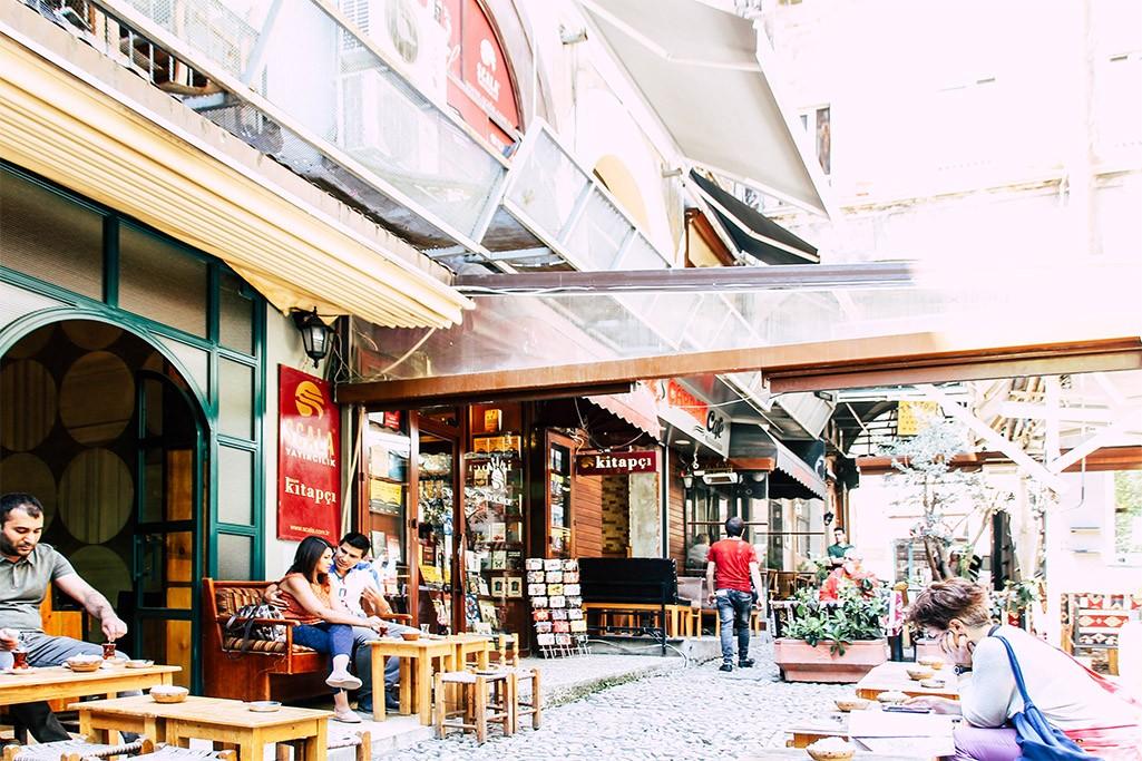 Blick in eine Gasse in Istanbul