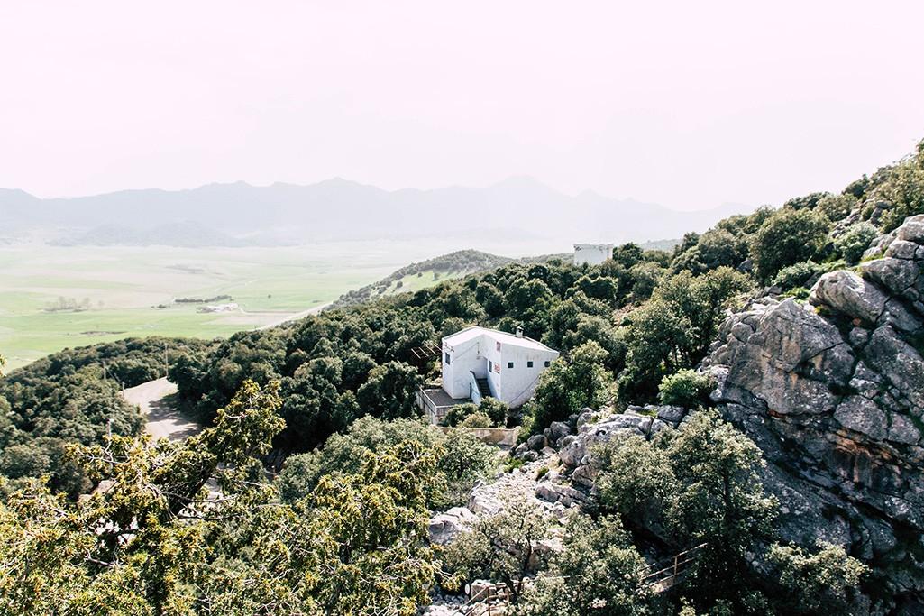 Blick oberhalb der Grotte Friouato
