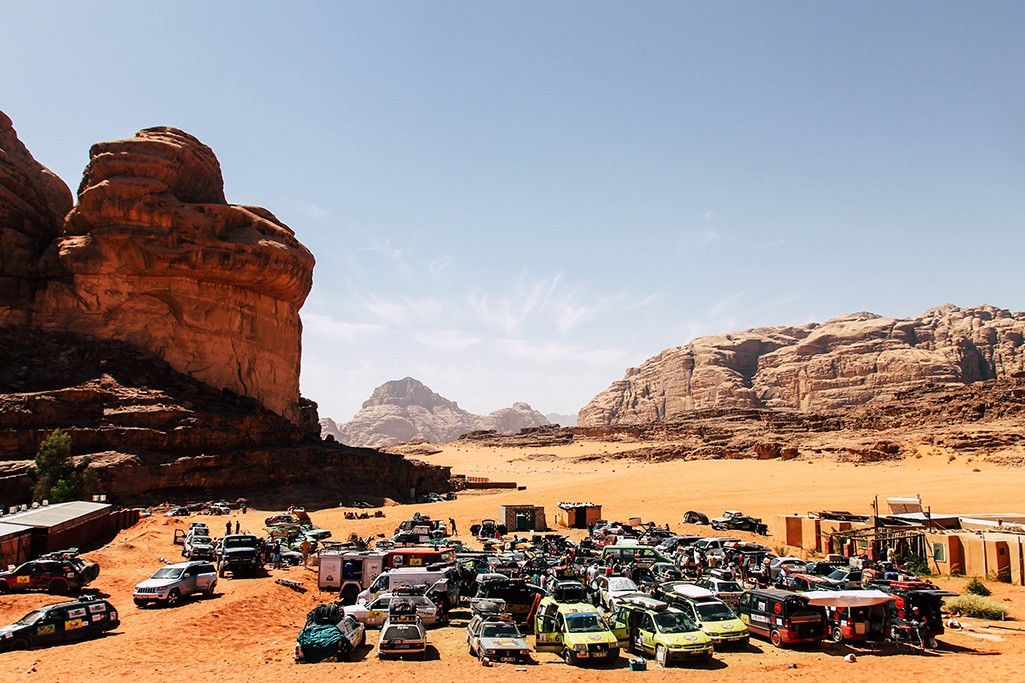 Fahrerlager Allgaeu Orient Rallye im Wadi Rum