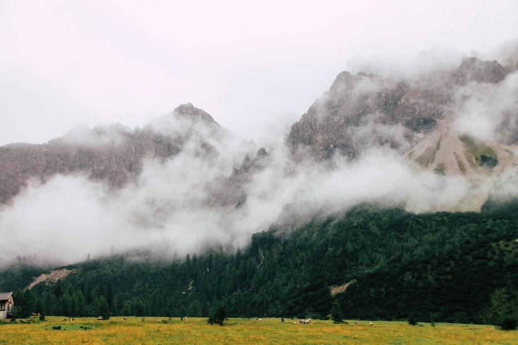 Nebel in den Bergen am Adlerweg
