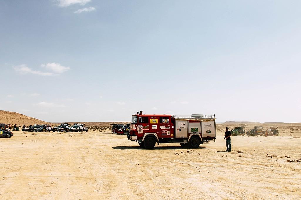 Fahrerlager in der Wueste Negev