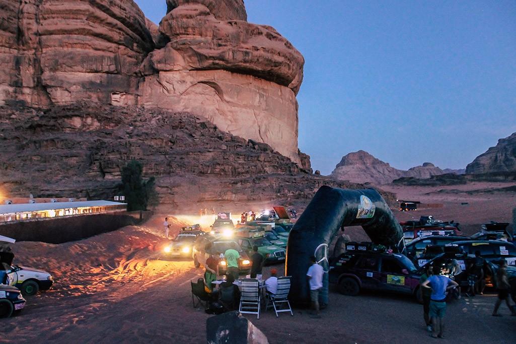 Wadi Rum als Fahrerlager der Allgaeu Orient Rallye
