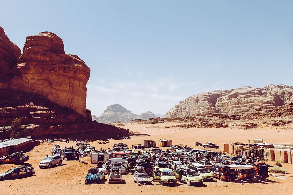 Fahrerlager der Europa Orient Rallye im Wadi Rum