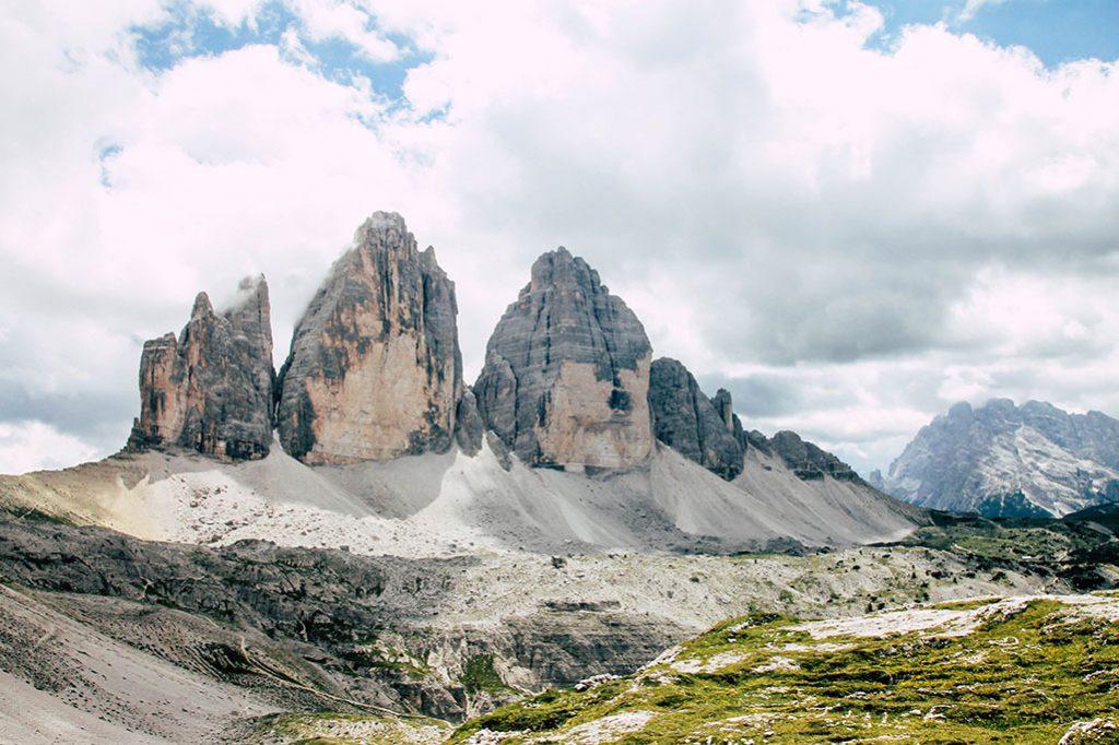 Blick auf die Drei Zinnen in den Dolomiten