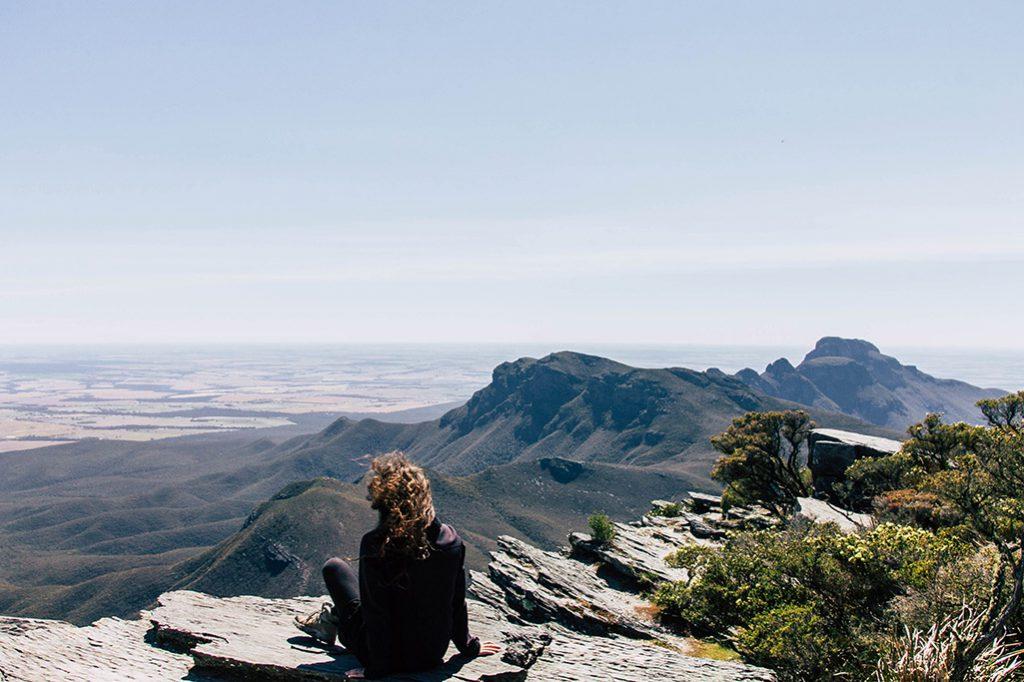 Person am Gipfel vom Bluff Knoll