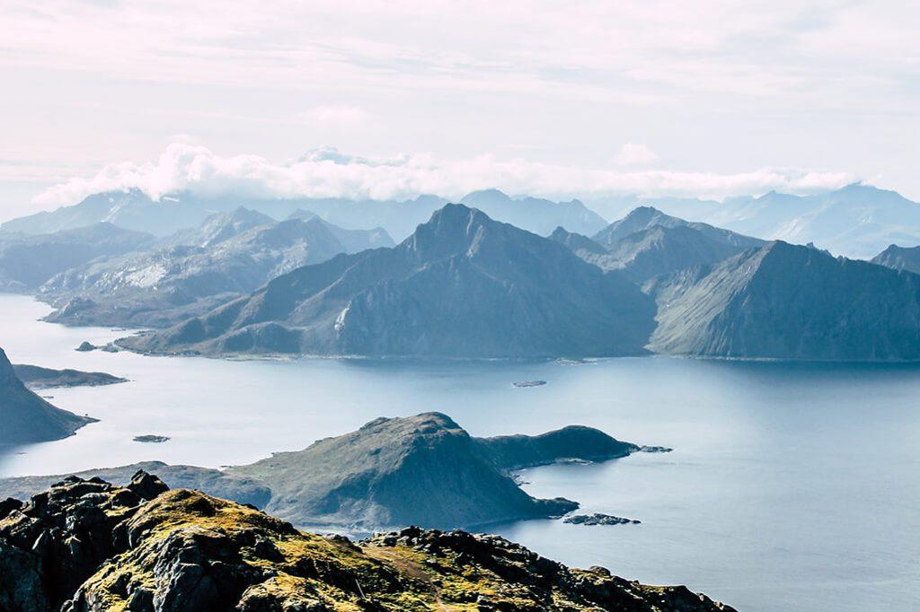 Blick auf die Nachbarinsel von Vestvågøya