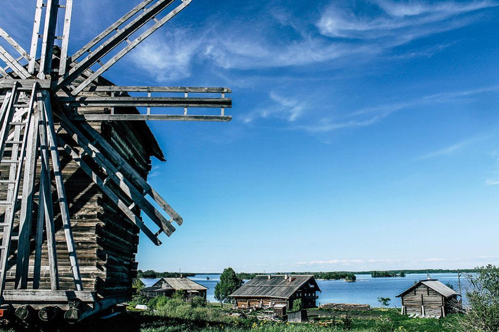 Windmuehle auf der Insel Kischi