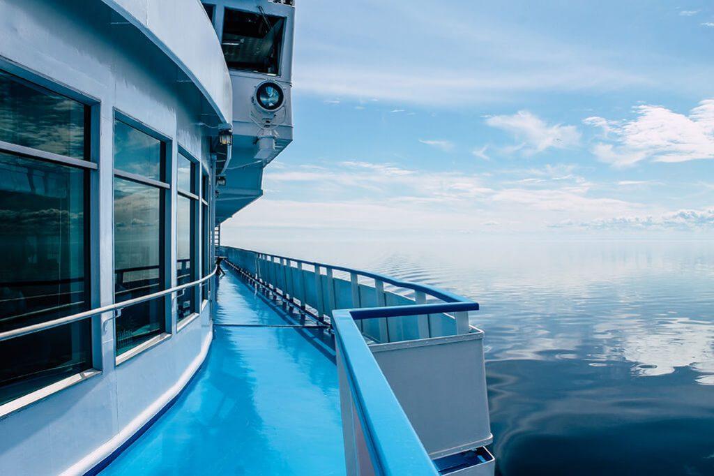 Schiff auf dem Onega See