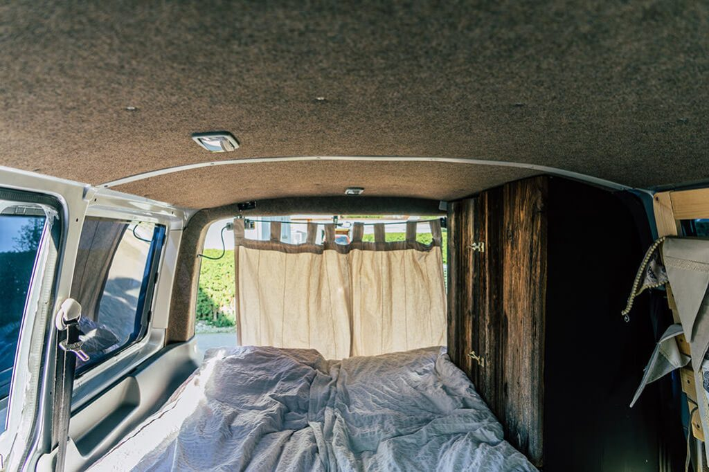 umbau vw t5 transporter innenverkleidung campervan. Black Bedroom Furniture Sets. Home Design Ideas