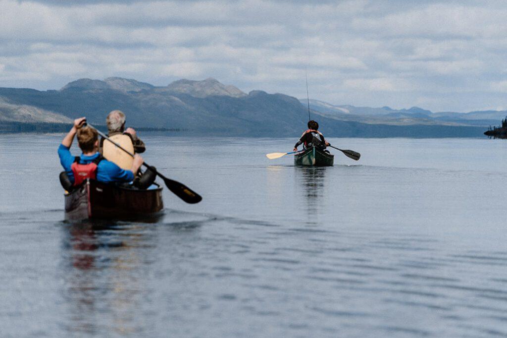 Kanufahrer auf dem Lake Laberge