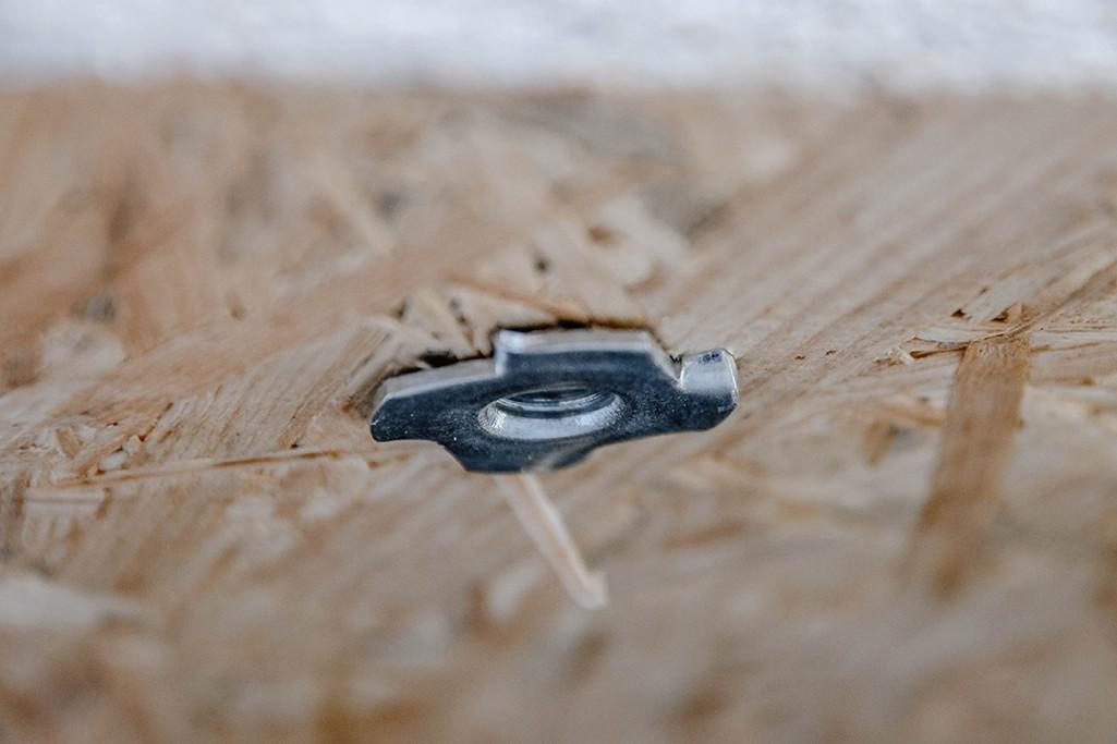 Einschlagmutter in OSB Bodenplatte