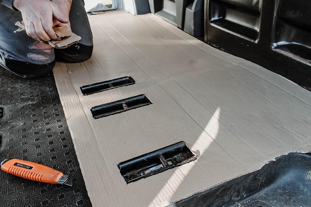 VW T5 Bodenplatte Schablone aus Karton