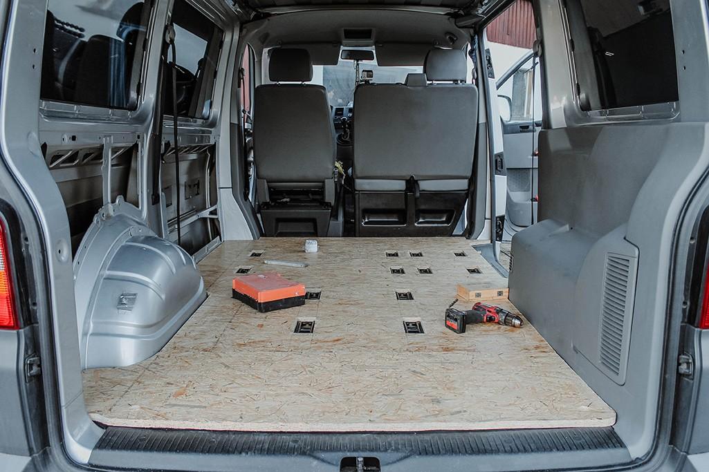 VW T5 Camper Ausbau Bodenplatte aus OSB