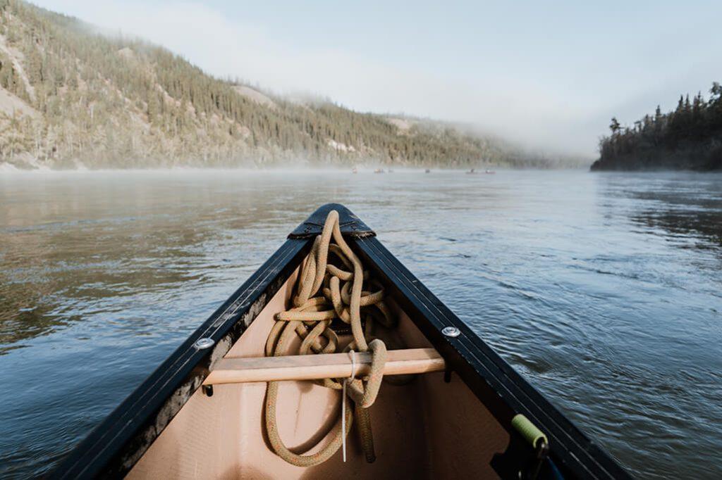 Blick vom Kanu auf den Yukon River