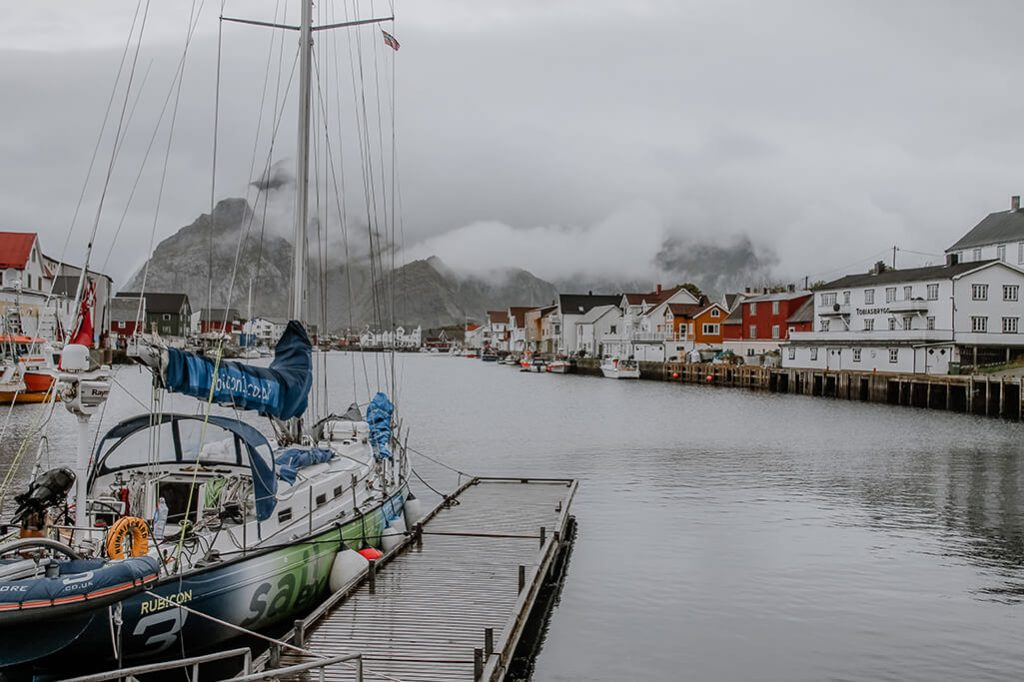 Blick auf Henningsvaer auf den Lofoten