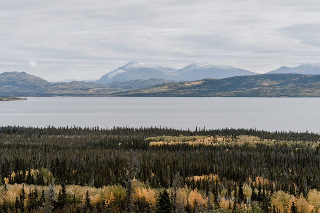 Dezadeash Lake im Yukon