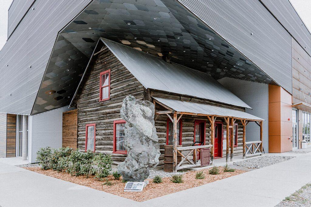 alte Huette am MacBride Museum