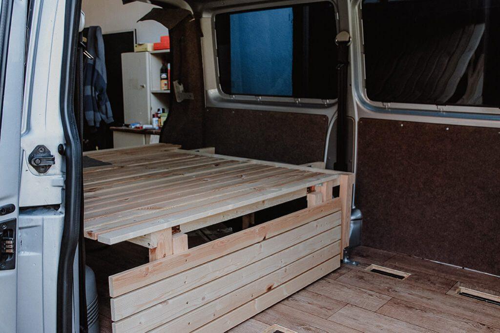 klappbare Elemente im DIY Camperbett