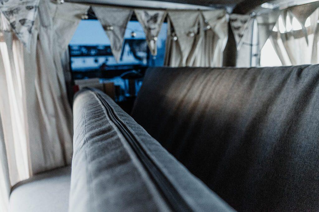 Reissverschluss Detail Matratze VW Bus
