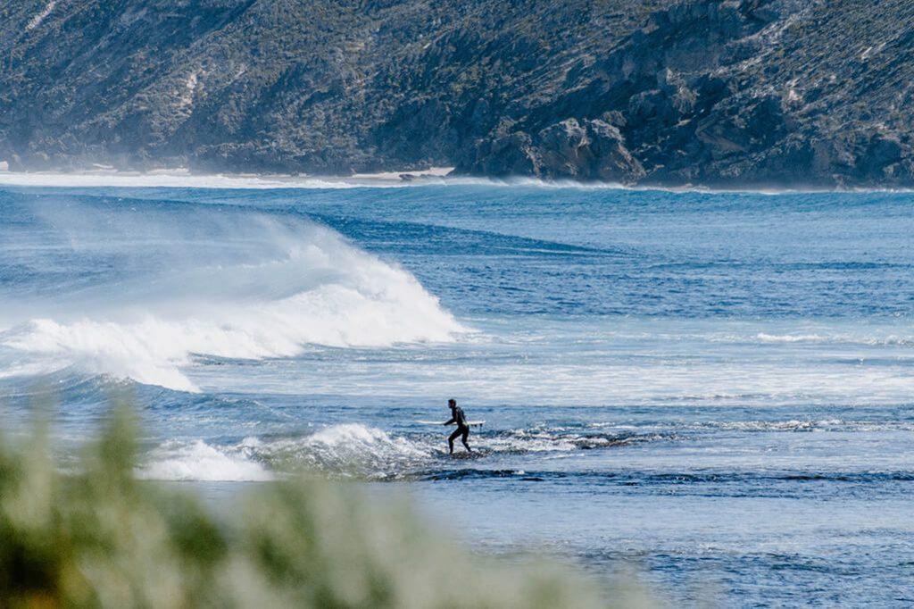 Fotoausrüstung zum Fotografieren von Surfern