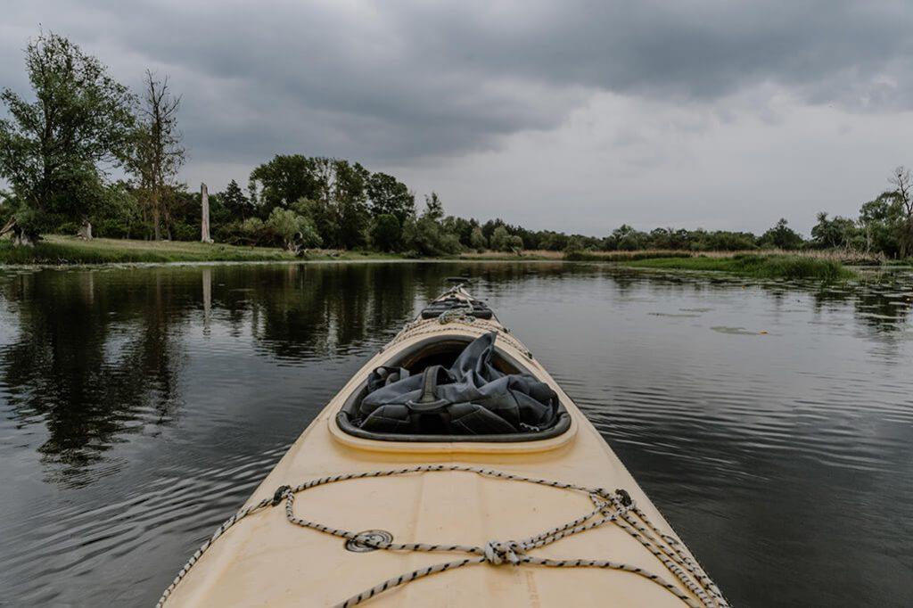Kajak auf Altarm der Oder im Oderbruch