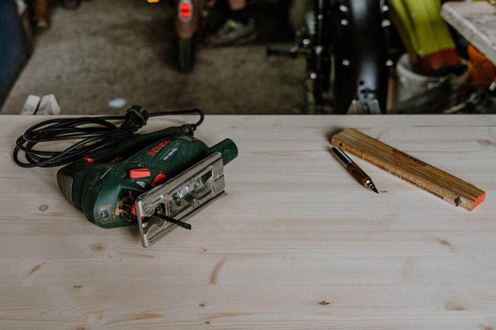 Holz für Schublade im Camper