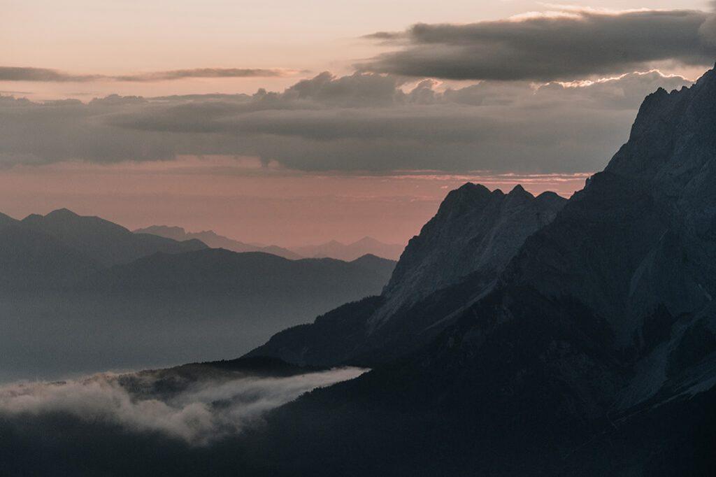 Sonnenaufgang über der Zugspitze