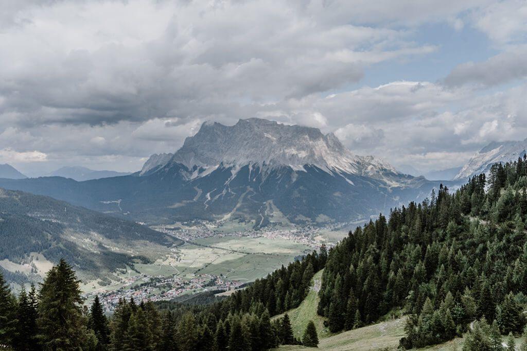 Blick auf Zugspitze in Tiroler Zugspitz Arena