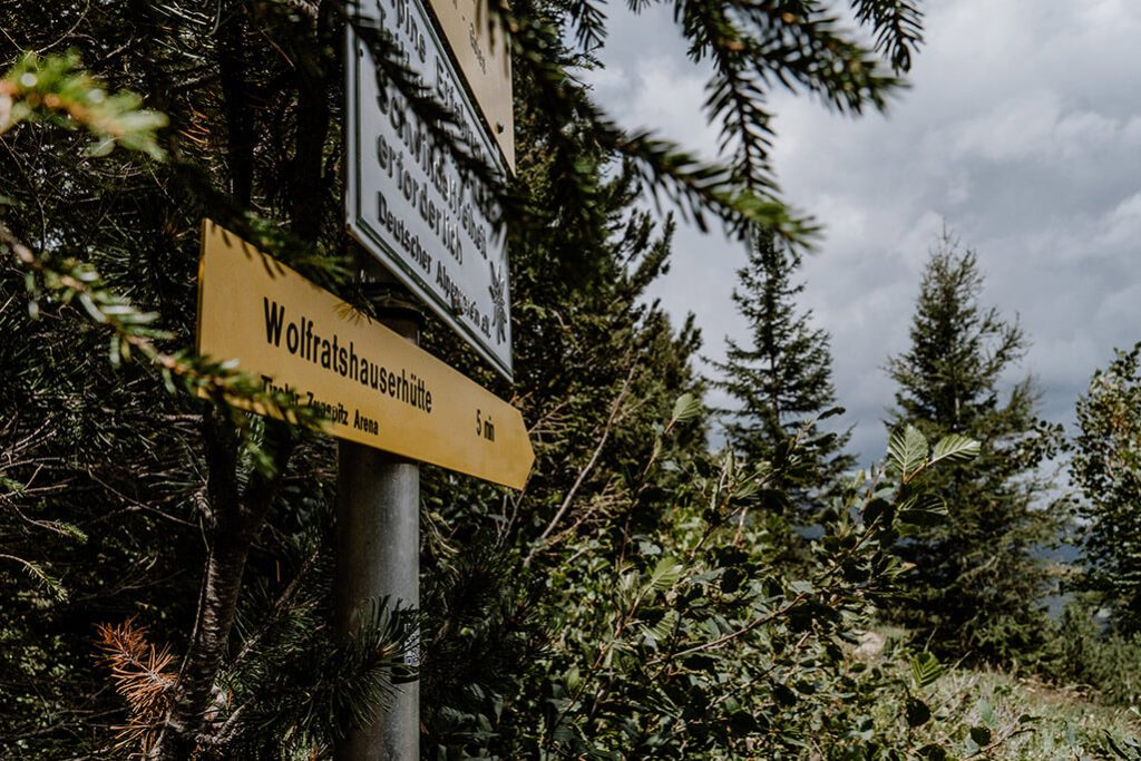 Wandermarkierung Wolfratshauser Hütte