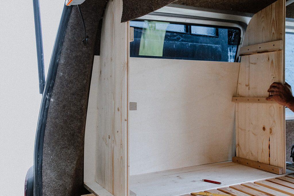 VW T5 Innenausbau Einbau Schrank