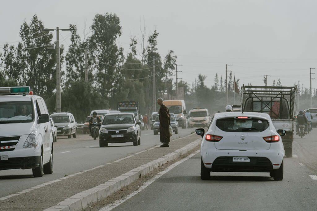 Dust and Diesel Straßen Marrakech