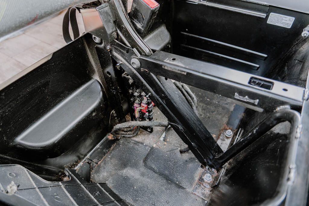 Doppelsitzbank VW Bus innen ohne Verkleidung