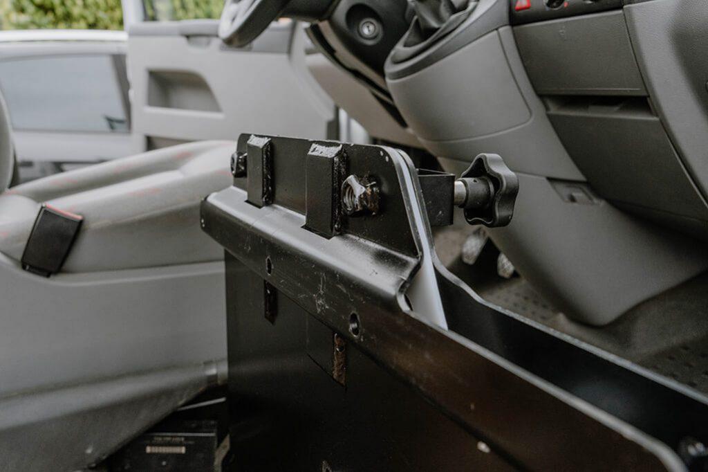 VW T5 Camper Umbau Drehkonsole