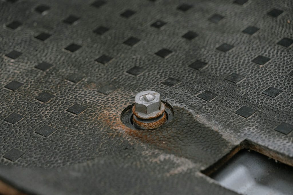 VW T5 Einbau Drehkonsole Gewinde