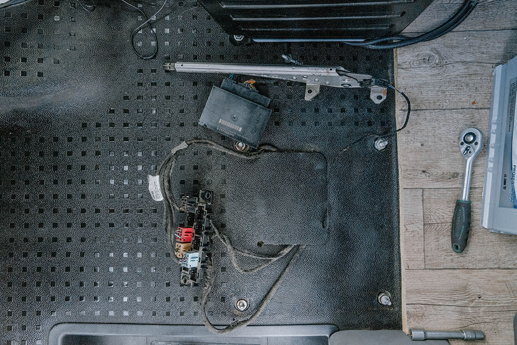 Gummimatte unter Fahrersitz VW T5