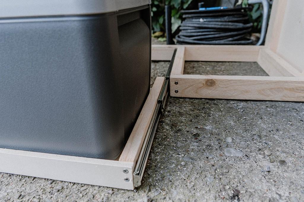 Schublade für Kühlbox in VW T5 Küche