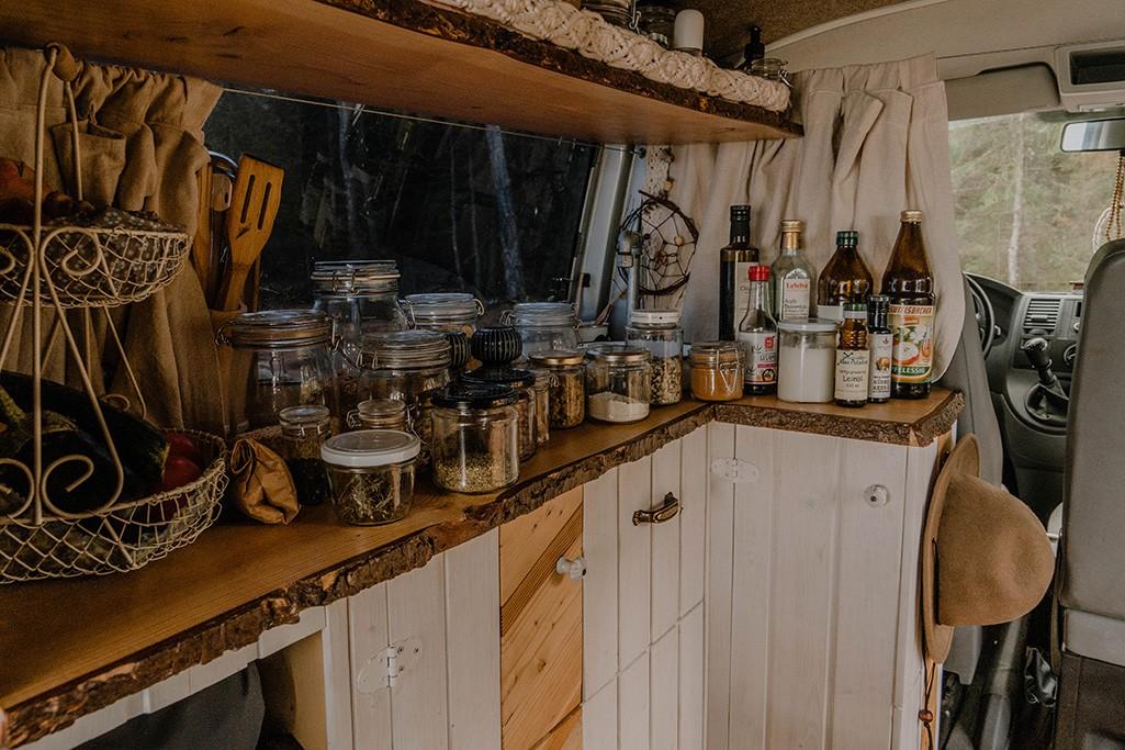 VW T5 Umbau Küche Lebensmittel