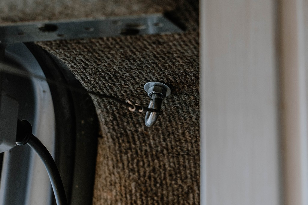 VW T5 Camper Ausbau Vorhänge Vorhangdraht an Schrauböse